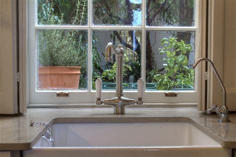 underslung kitchen sinks an underslung sink with shitake caesarstone countertop 3034