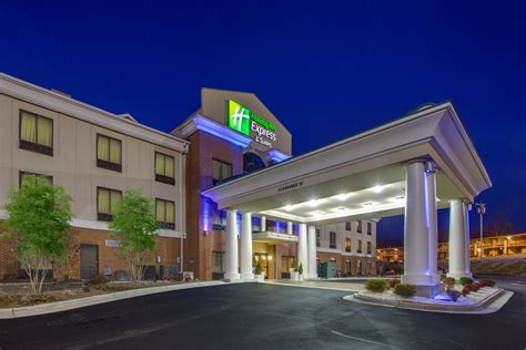 holiday inn express suites greensboro airport area
