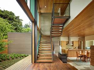 The, Courtyard, House, Is, A, Contemporary, Residence, In, Seattle, By, Deforest, Architects