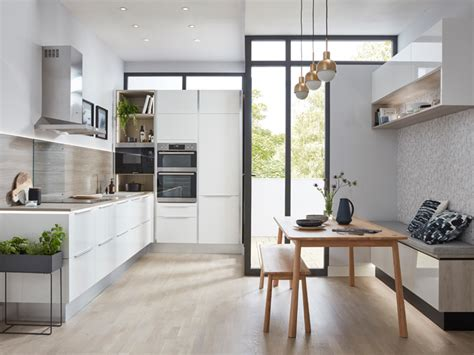 Clerkenwell Gloss Cashmere  Howdens Joinery