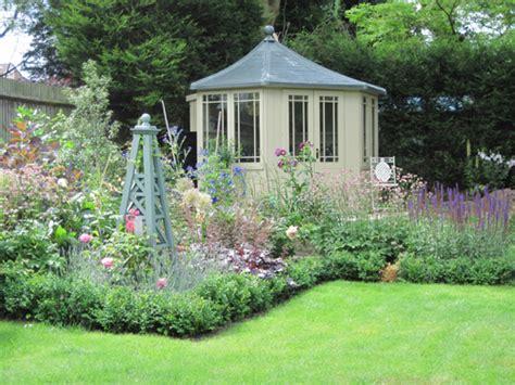 Modern Cottage Garden Design