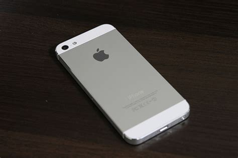 iphone 5 64gb apple iphone 5 64gb white model flickr photo