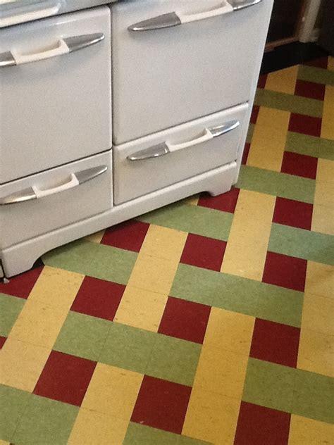 best linoleum flooring for kitchen 25 best ideas about linoleum kitchen floors on 7746