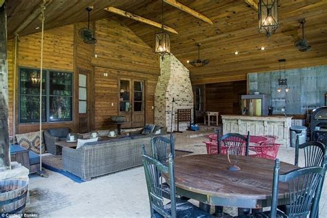 Duck Dynasty's Jep Robertson lists home for $1.4 million