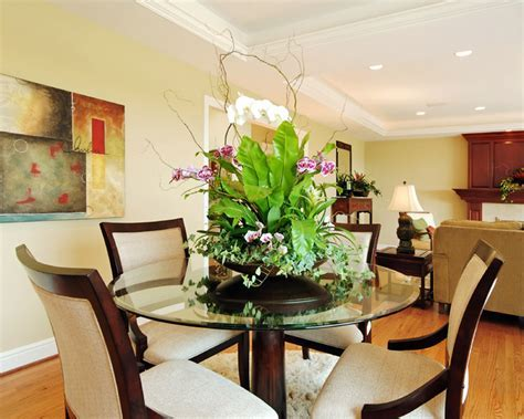 Ideas for staging home with plants & living arrangements
