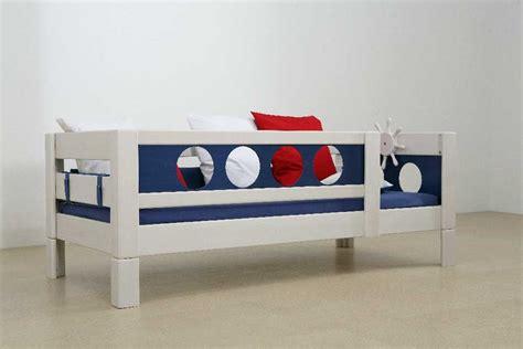 chaise de bureau pour enfants lit enfant pirate 90x200 cm en hêtre massif collection