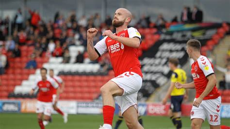 Watch: Fleetwood Town 2-1 Oxford United highlights - News ...