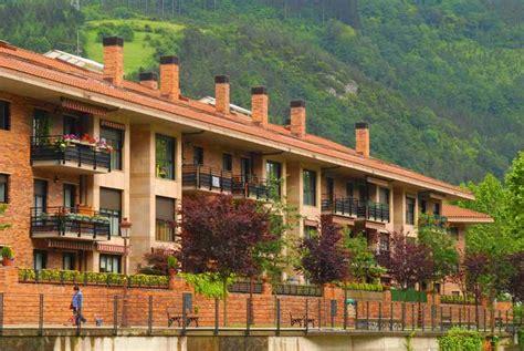 pisos en irura venta de pisos en irura construcciones sukia