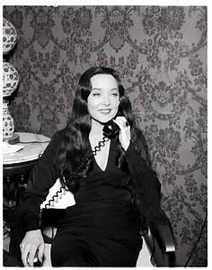 Carolyn Jones (Morticia Addams) 1960's   Rebrn.com