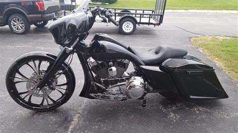 Blackout Pre Wiring by Black Out Stretched 2016 Glide Special