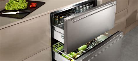 petites cuisines modernes réfrigérateur à tiroirs habillable norcool