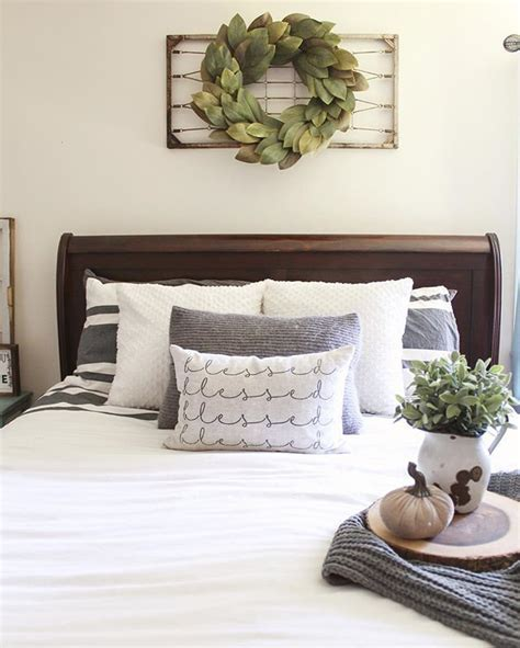 how to a magnolia wreath on a wire frame 25 best ideas about above bed decor on above