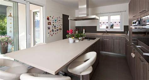 cuisine equipee moderne cuisine moderne en bois
