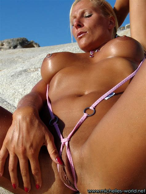 Tammil Cuples Sexy Michelle Berger Shows Off Her Tanned