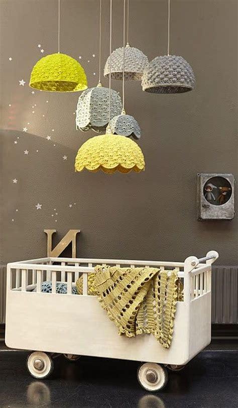 chambre bébé et taupe déco de la chambre bébé fille sans en 25 idées
