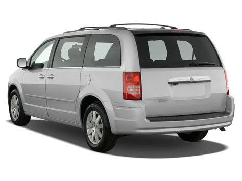 2008 Chrysler Town & Country Reviews And Rating