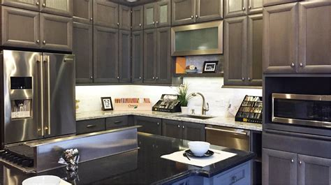 Deluxe Kitchen Cabinets by Deluxe Kitchen Cabinets In Bay Aera Kraftmaid Schrock