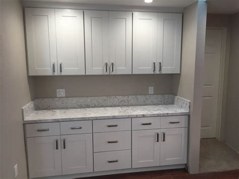 Kitchen White Shaker Cabinets Quartz Countertop In Los