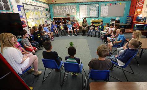 discussion circle cool australia