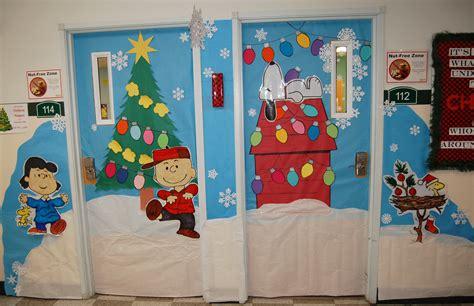 christmas door decorating contest underway facebook