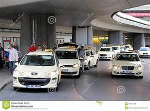 Taxi Berechnen München : taxibilar i berlin redaktionell fotografering f r bildbyr er bild 38127524 ~ Themetempest.com Abrechnung
