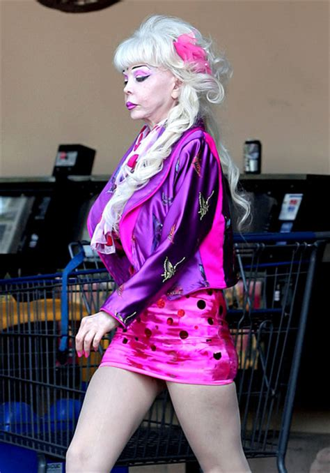 Angelyne Photos Leaves Grocery Store
