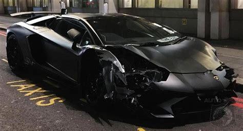 lamborghini aventador sv roadster black matte black lamborghini aventador sv roadster crashes in london autospies auto news