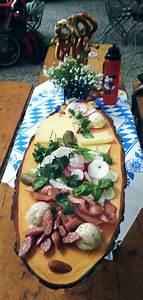 Oktoberfest Rezepte Buffet : bayerische brotzeit party items pinterest brotzeit bayerische brotzeit und fingerfood ~ Buech-reservation.com Haus und Dekorationen