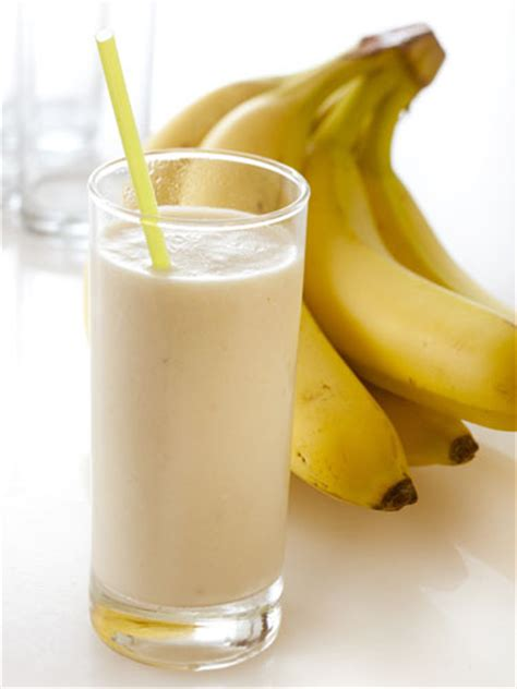 banana smoothie healthy smoothie recipes simple smoothies