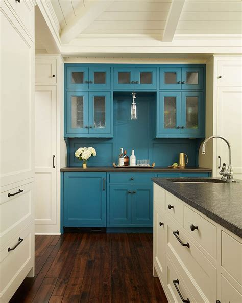 cottage kitchen hutch 2651 best images about cool kitchens on 2651