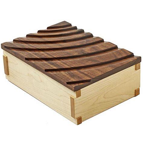 rippling waves keepsake box woodworking plan  wood magazine