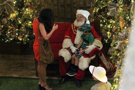 Dani Suzuki Visita O Papai Noel Com O Filho Kauai