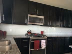 kitchen backsplash with cabinets white glass subway tile backsplash with cabinets subway tile outlet