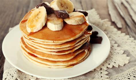 Receptes.lv - Banānu pankūkas (bez olām)