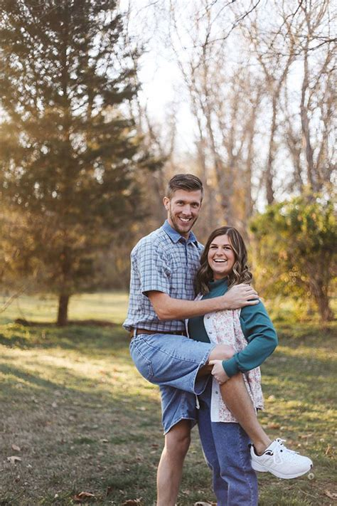 Tennessee Couple Has The Most Awkward Engagement Shoot