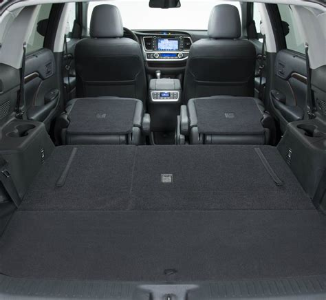 toyota highlander interior dimensions 2014 toyota highlander offers spacious and versatile