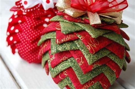 Amish Christmas Decorations