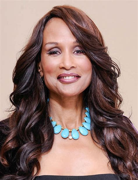 45 Fashionable Long Hairstyles for Women over 50 2017