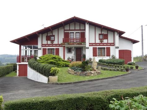 maison etxartia g131074 g 238 te pour 10 personnes avec 5 chambres 224 ainhice mongelos pyrenees pays