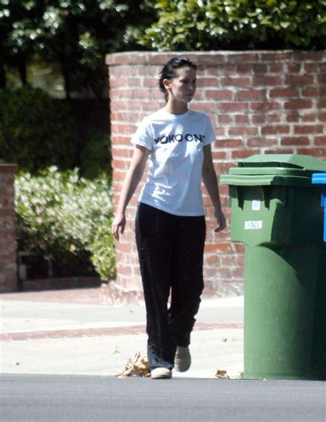 foto de Sacando la basura (3) Jennifer Love Hewitt with no bra
