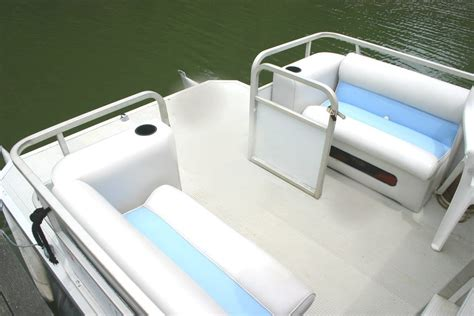 Pontoon Boat Flooring Material by Pontoon Boat Decking Aluminum Decking For Boats Wahoo