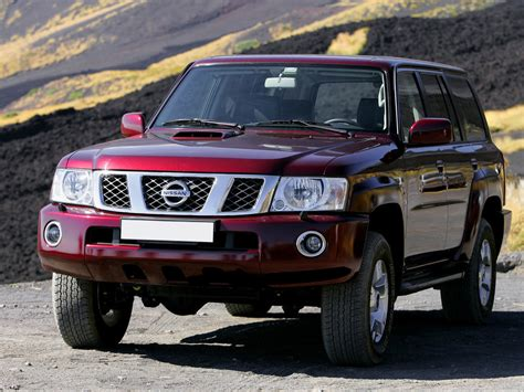 It is engineered by nissan shatai and was introduced in the year 1951 while the production still continues. Nissan Patrol 2-й рестайлинг 2004, 2005, 2006, 2007, 2008 ...