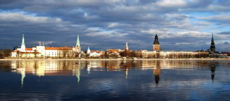 Galvaspilsēta Rīga. Apraksts. LVA begļiem 13-14 g.veci skolēni