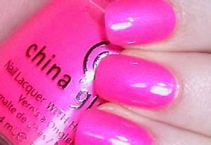 Lady Danger Makeup NOTD China Glaze Pink Voltage Neon