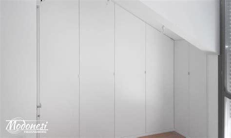 guardaroba angolo armadio in legno su misura per matrimoniale a