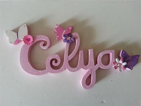 lettres attachées bois naturel papillon prénoms en bois