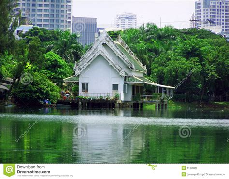 Altes Asiatisches Haus In Der Stadt Stockfoto  Bild Von