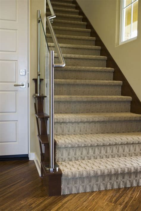 Best Type Of Flooring For Stairs by 25 Best Ideas About Modern Carpet On Bathroom