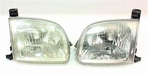 Headlight Lamp Pair 01-06 Toyota Tundra