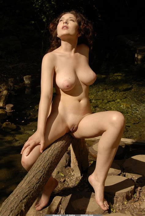 Domai Diana D Shows Her Lovely Curves In The Woods